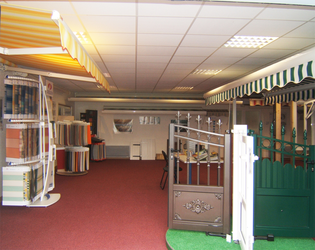 Hall exposition de Verrier Stores et Fenêtres à Joué-lès-Tours