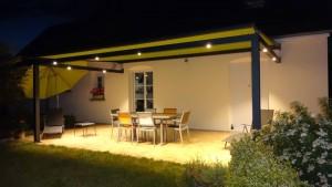 PERGOLA A TOILE ENROULABLE AVEC SPOTS LEDS